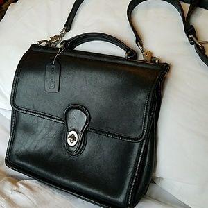 Vintage coach black Willis Satchel crossbody purse